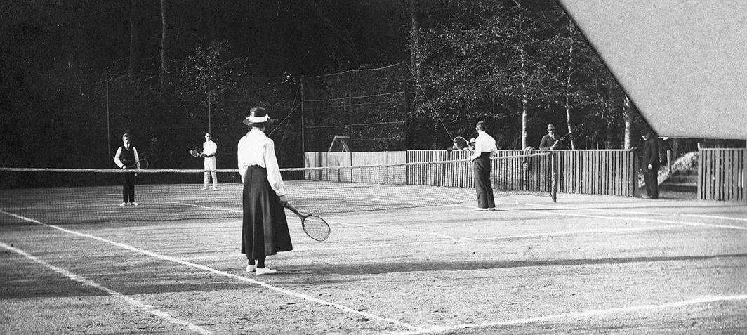 Tennis_anno_1920.jpg